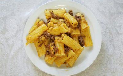 Pasta with Pumpkin Alfredo Sauce